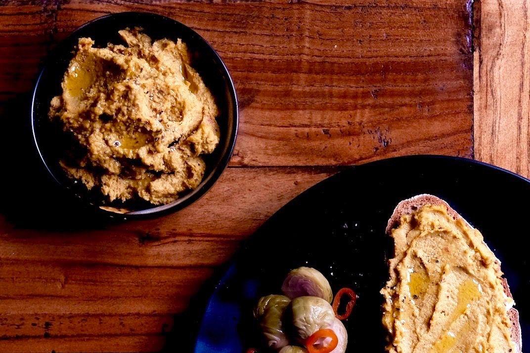 Foodblog-Foodblogger-AboutFuel-Fuel-FabianDietrich-Brotaufstrich-Cashewkern-Sonnenblumenkern-Karotten-Chili