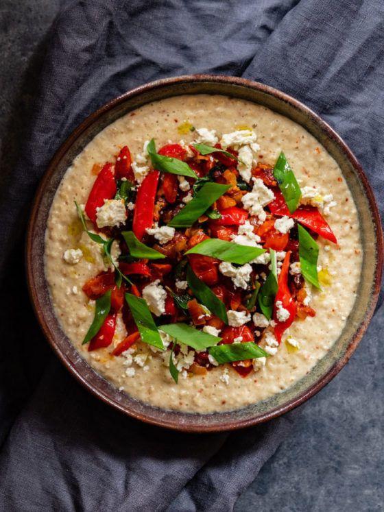 Herzhaftes Porridge mit Chorizo-Tomaten-Paprika-Bärlauch-Topping_8