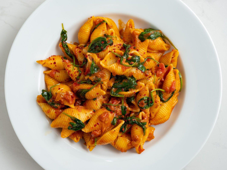 Rezept_Pasta mit Tomaten-Spinat-Sauce, Nudeln, Chiliflakes, Soße, Nudelgericht