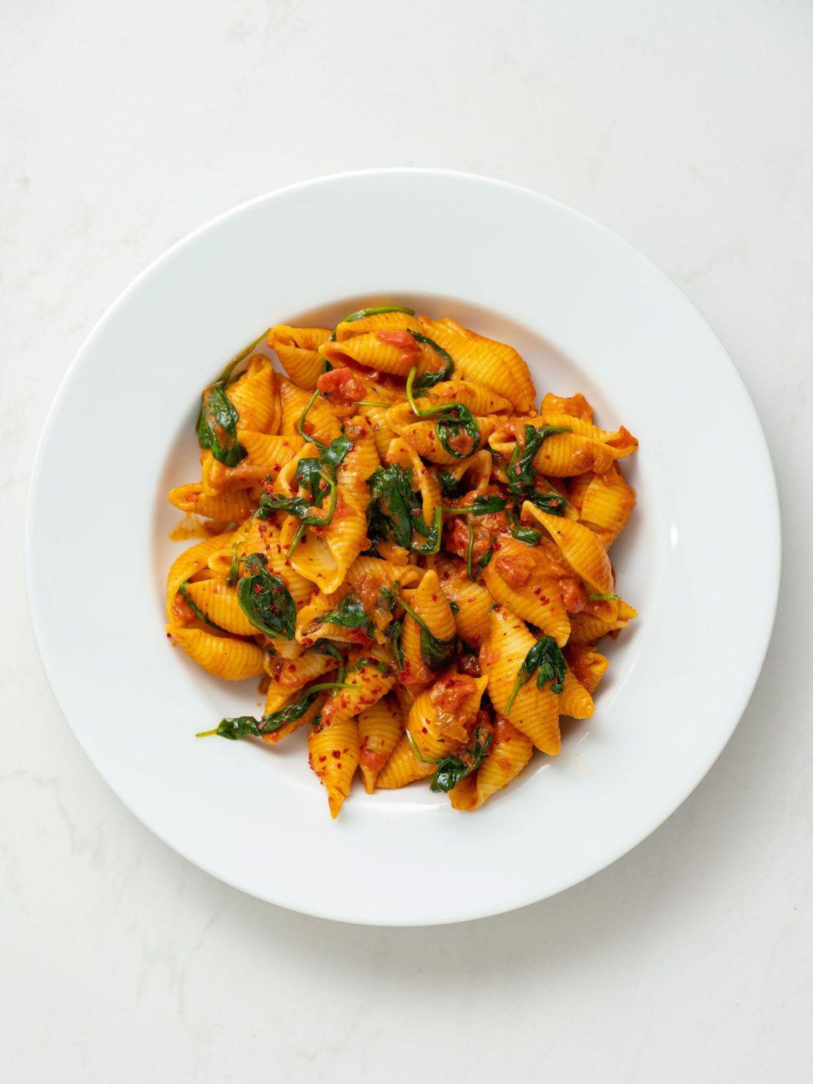 Rezept_Pasta mit Tomaten-Spinat-Sauce, Nudeln, Nudelgericht, Chiliflakes