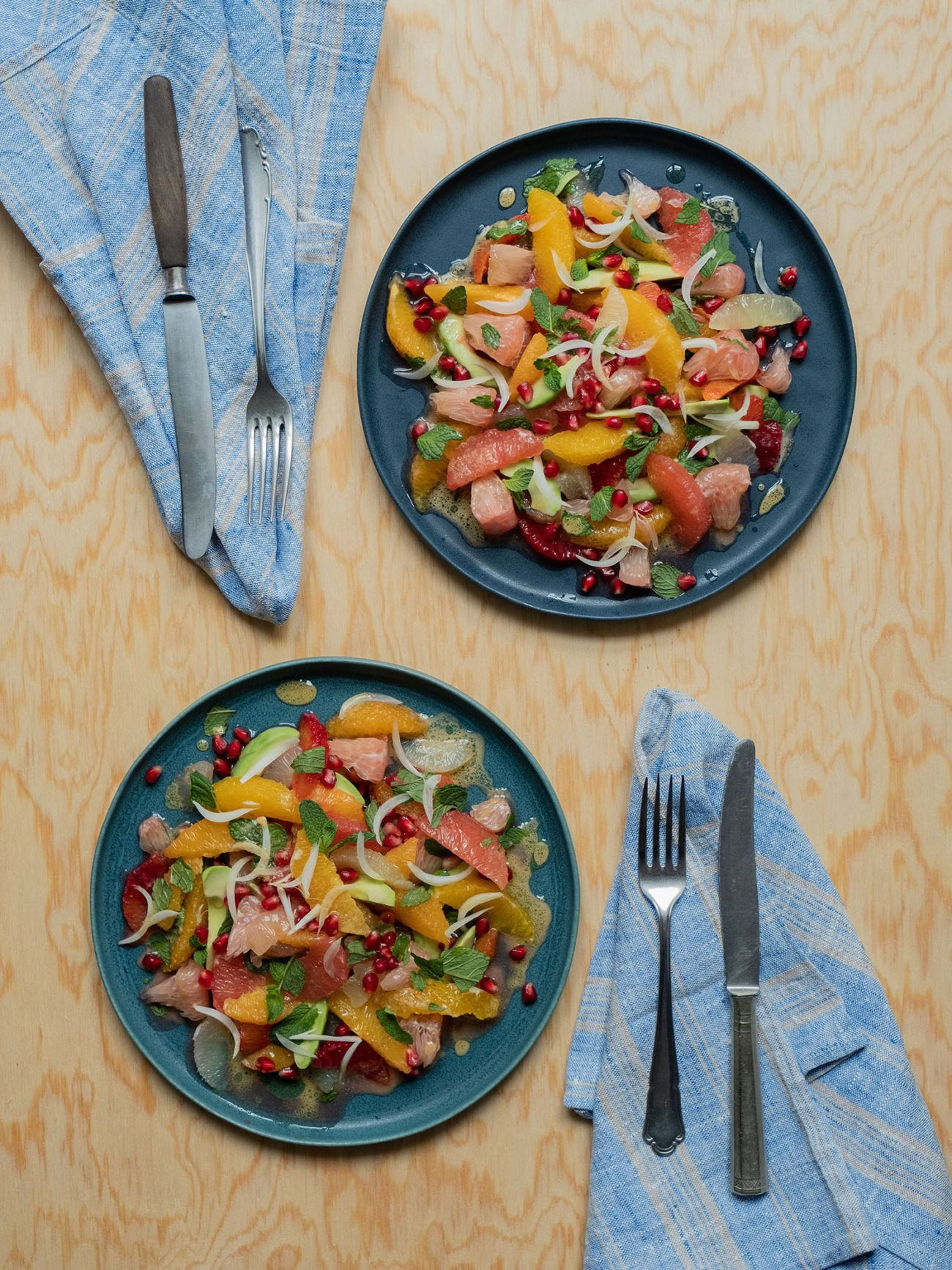 Rezept_Zitrussalat mit Avocado und Pistaziendressing, Minze, Zwiebeln, Granatapfel
