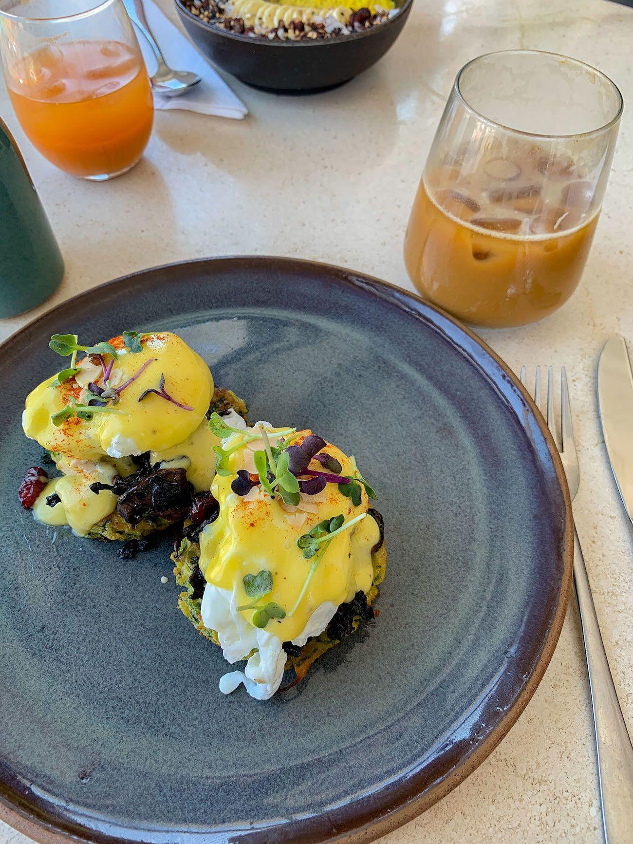 Frühstücks - und Brunch Guide für Kapstadt, Harvest Cafe, pochierte Eier, Iced Coffee