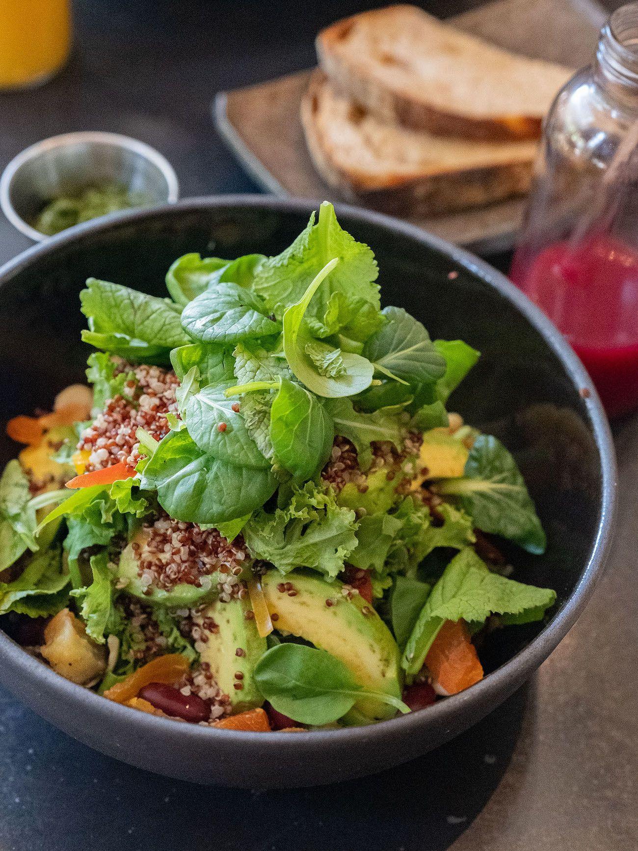 Frühstücks - und Brunch Guide für Kapstadt, Loading Bay, Bowl, Salat, Quinoa, Avocado