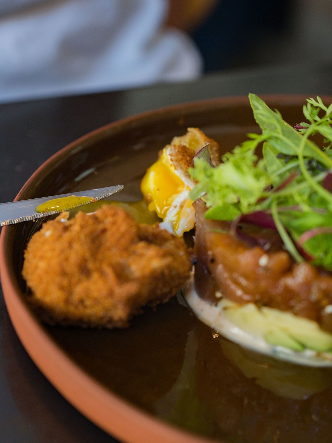 Frühstücks - und Brunch Guide für Kapstadt, Loading Bay, panko fried egg, avocado,