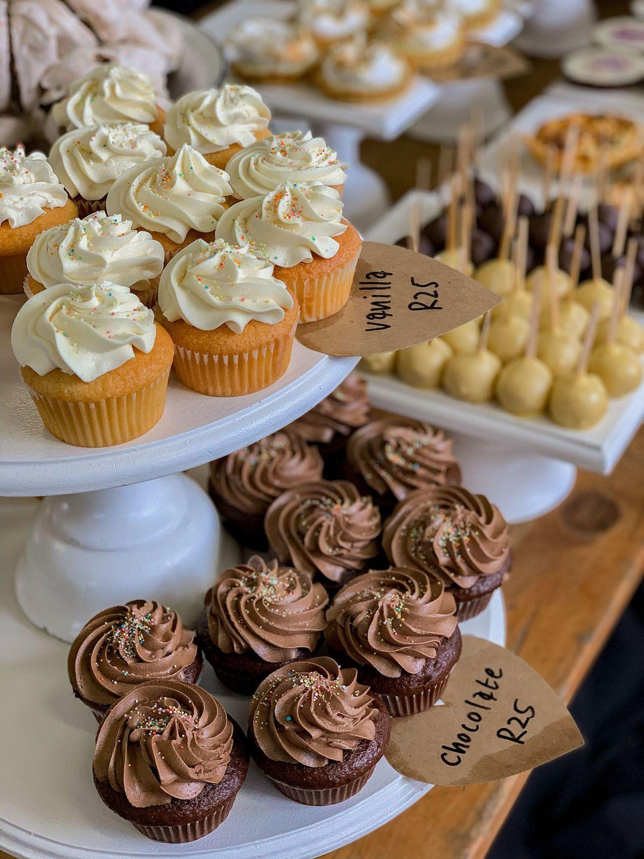 Frühstücks - und Brunch Guide für Kapstadt, Oranjezicht City Farm Market, Cup Cakes, Cake Pops, Süßes