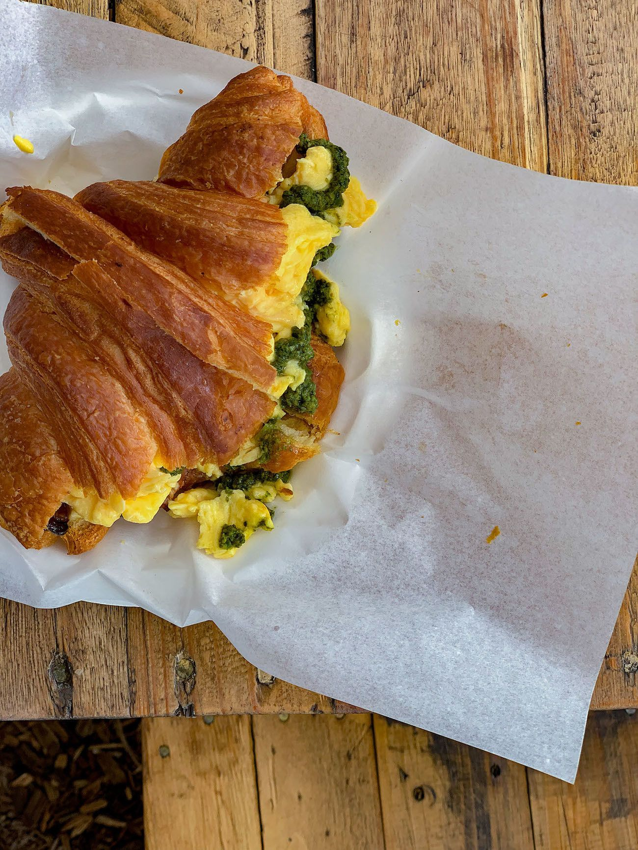 Frühstücks - und Brunch Guide für Kapstadt, Oranjezicht City Farm Market, Egg Croissant