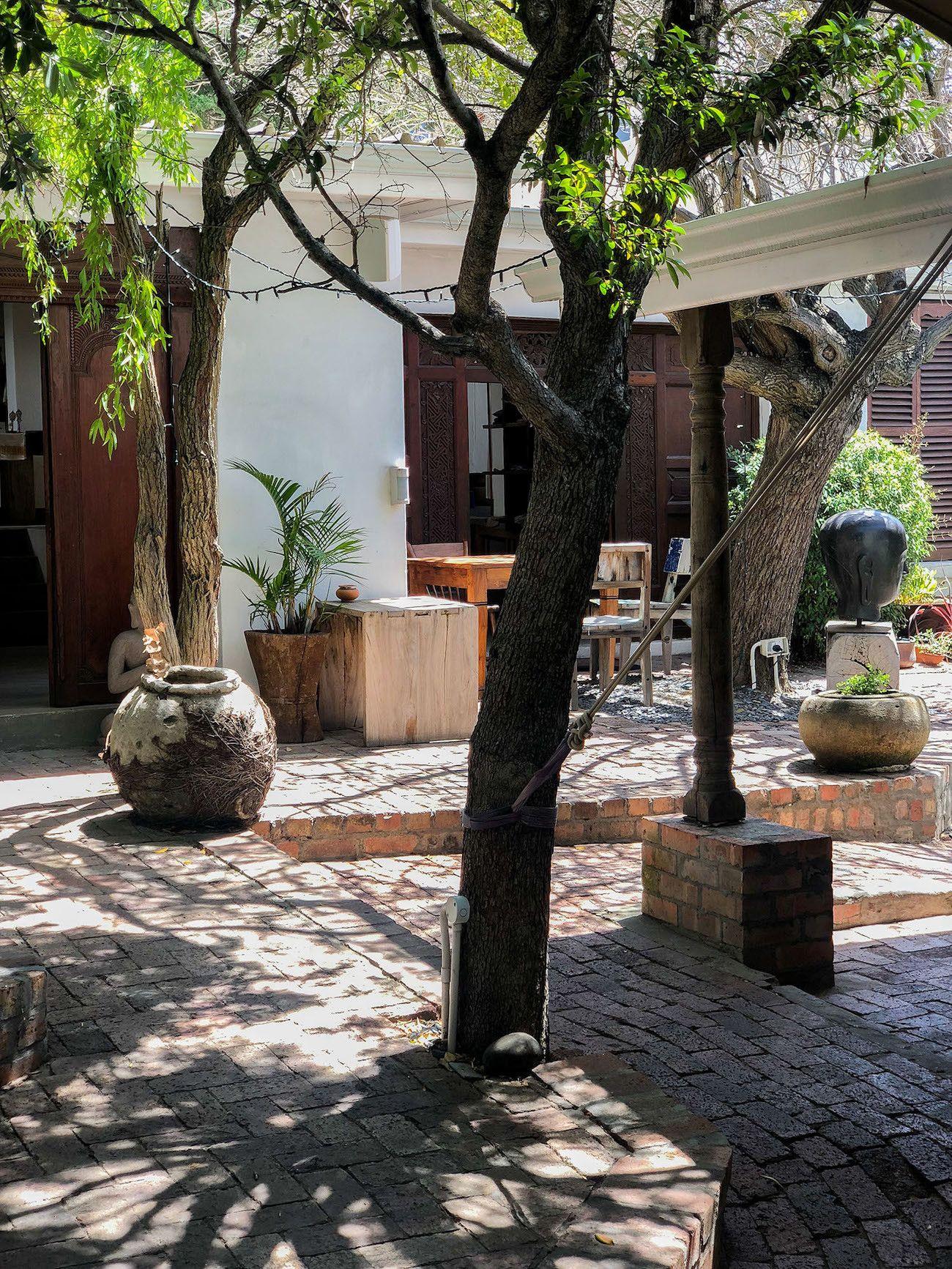 Frühstücks - und Brunch Guide für Kapstadt, The Strangers Club, Innenhof
