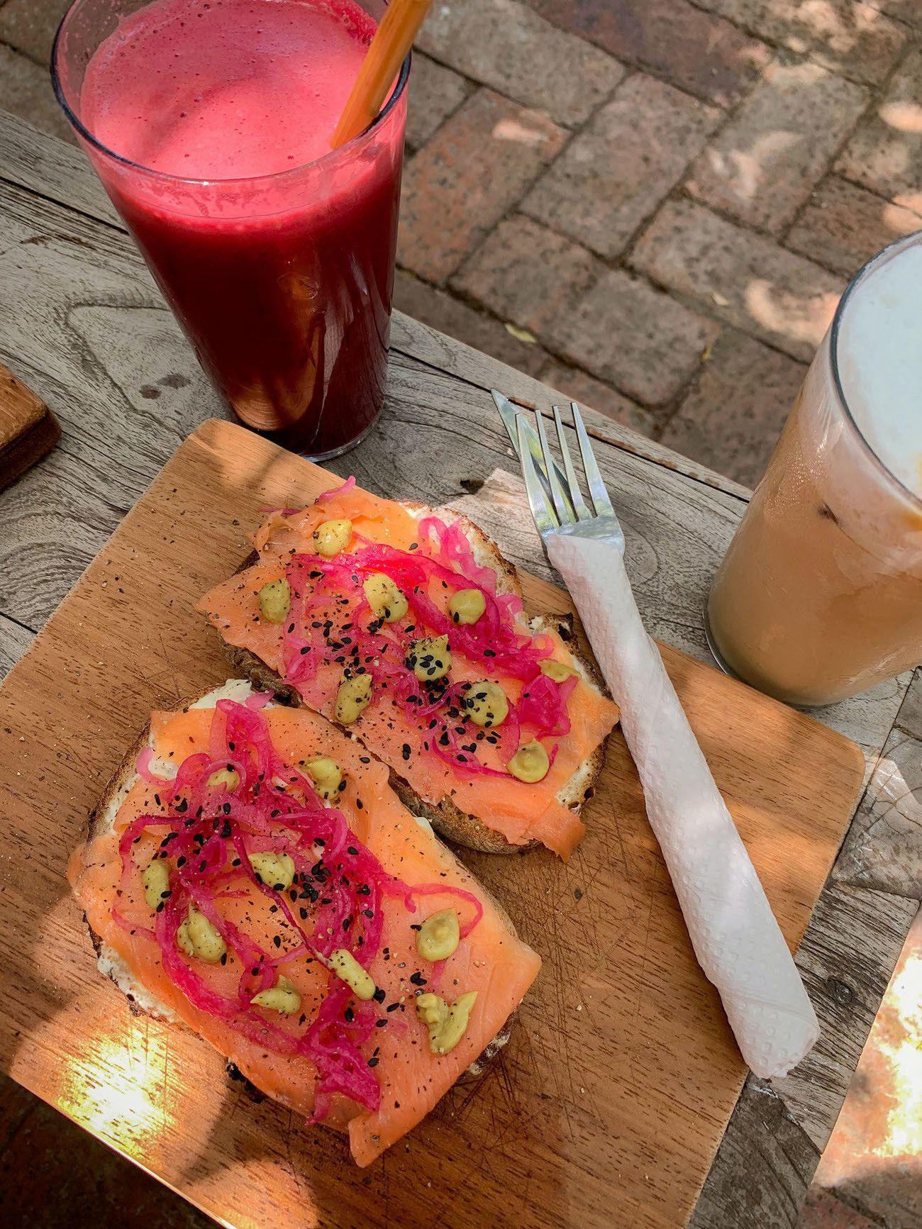 Frühstücks - und Brunch Guide für Kapstadt, The Strangers Club, Sandwich, Iced Coffee