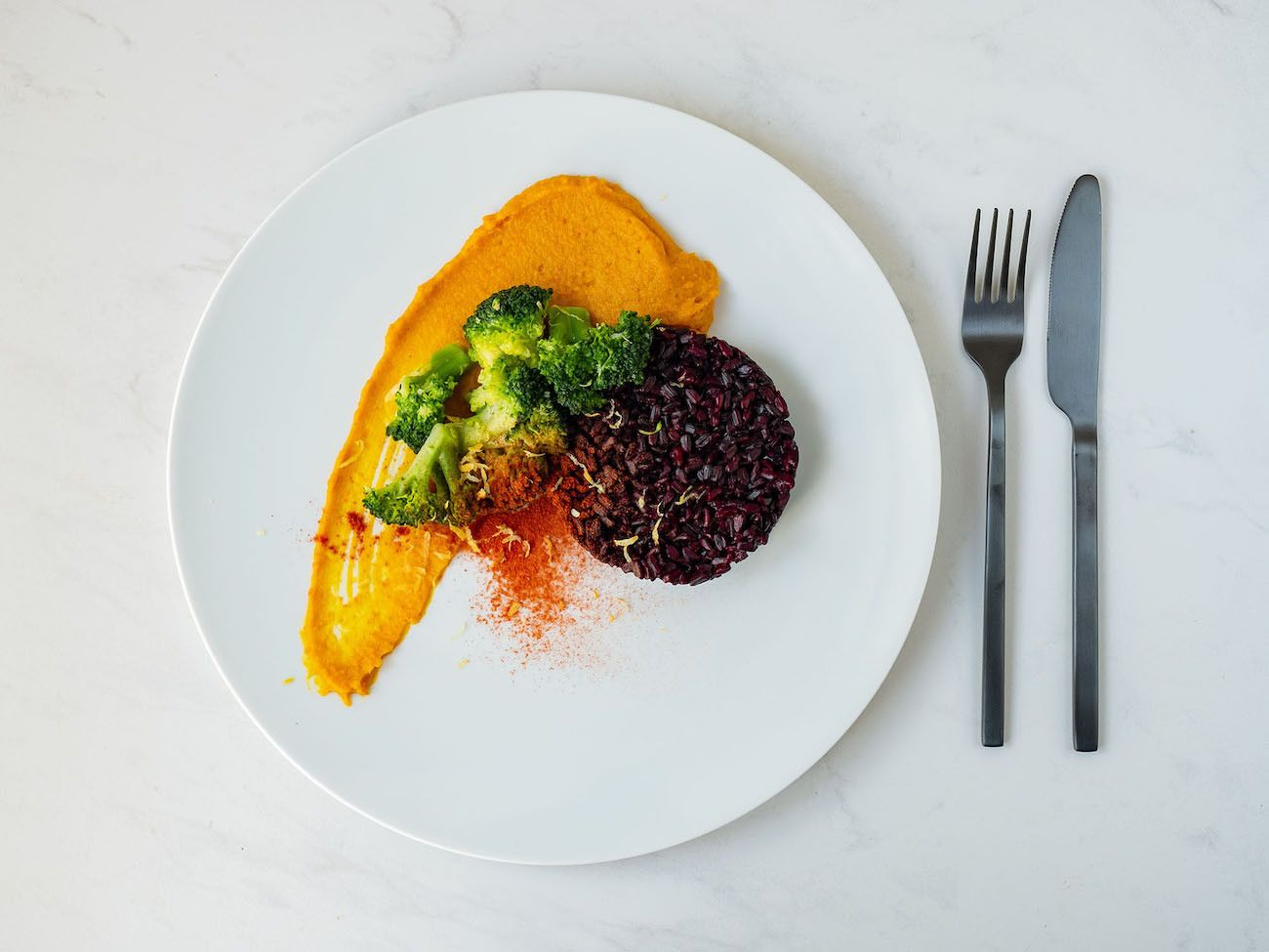 Foodblog, Rezept Kürbis Curry Püree mit zitronen Brokkoli und schwarzem Reis, Zitronenschale, Paprikapulver_1