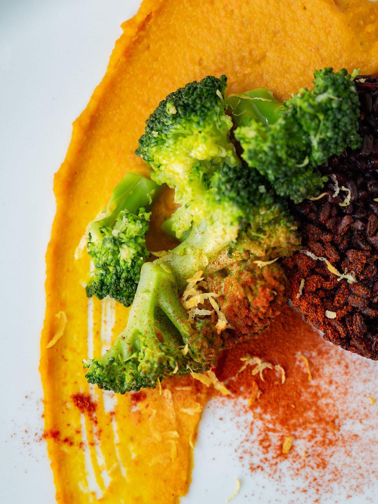 Foodblog, Rezept Kürbis Curry Püree mit zitronen Brokkoli und schwarzem Reis, Zitronenschale, Vegan_1