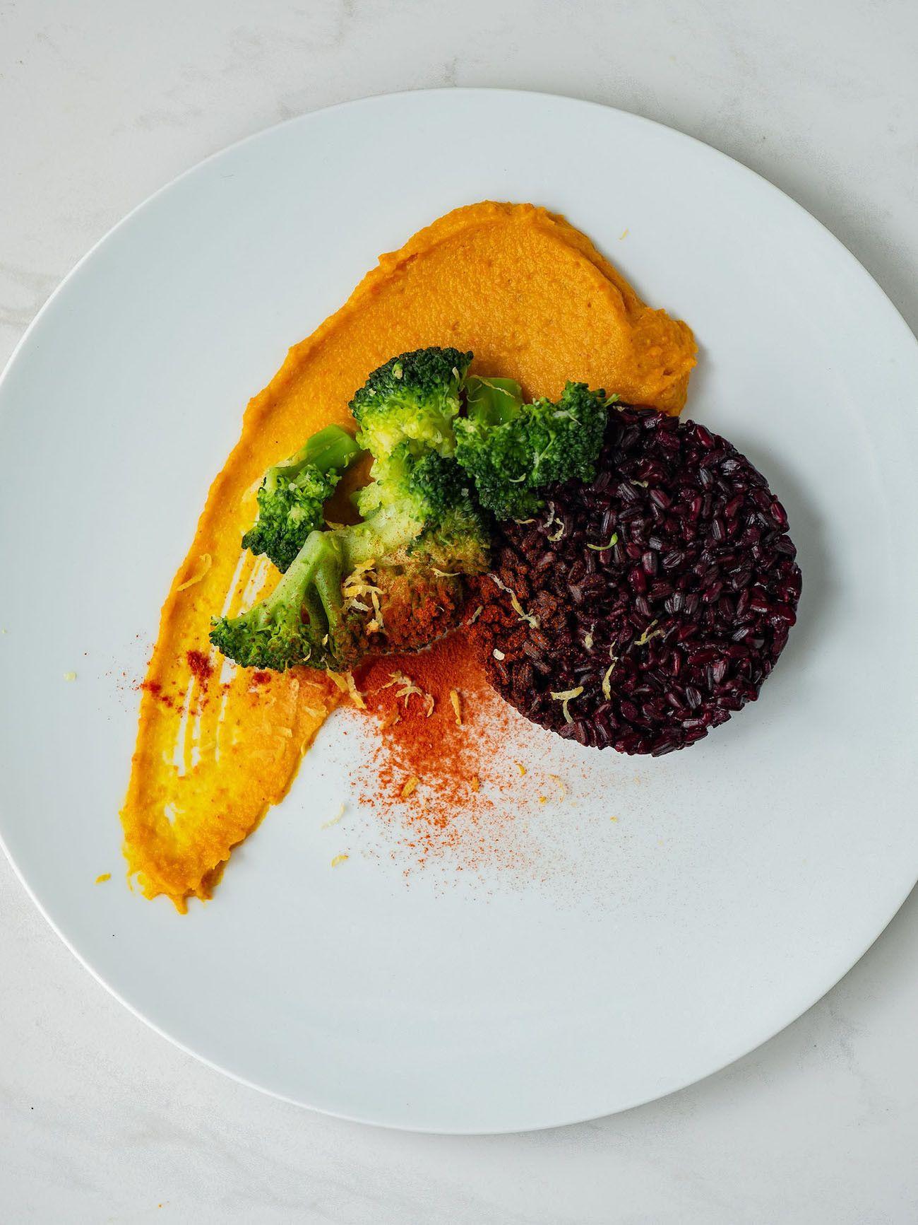 Foodblog, Rezept Kürbis Curry Püree mit zitronen Brokkoli und schwarzem Reis, Zitronenschale_1