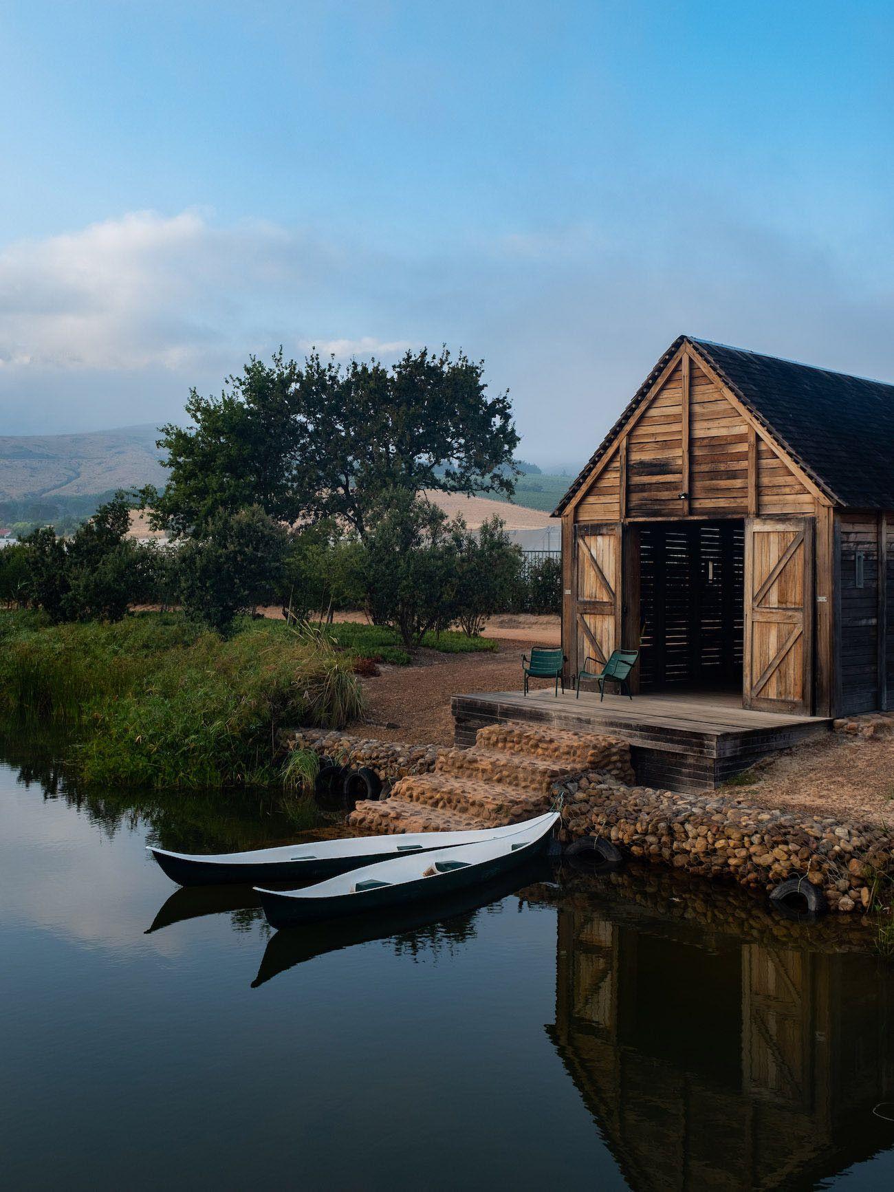 Weinguide Stellenbosch, Babylonstoren, Kanu, Bootshaus, See