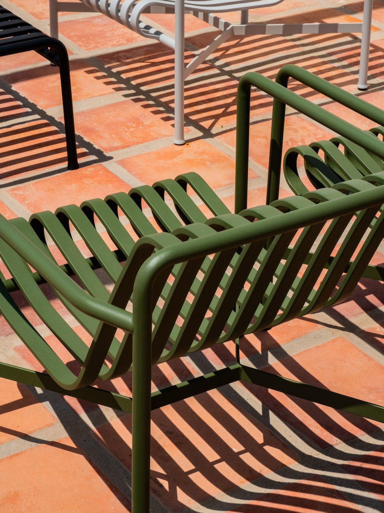 Weinguide Stellenbosch, Babylonstoren, Stühle, Schatten