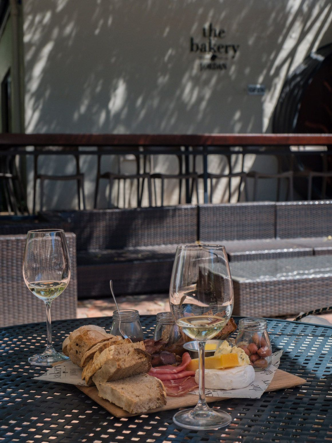 Weinguide Stellenbosch, Jordans, Bakery, Wein, Brot, Wurst, Käse