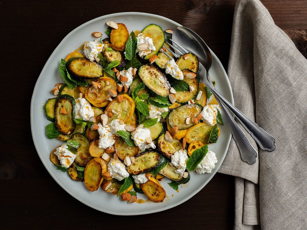 Foodblog About Fuel, Rezept Zucchinisalat mit Ricotta, Mandeln und Minze, Serviette