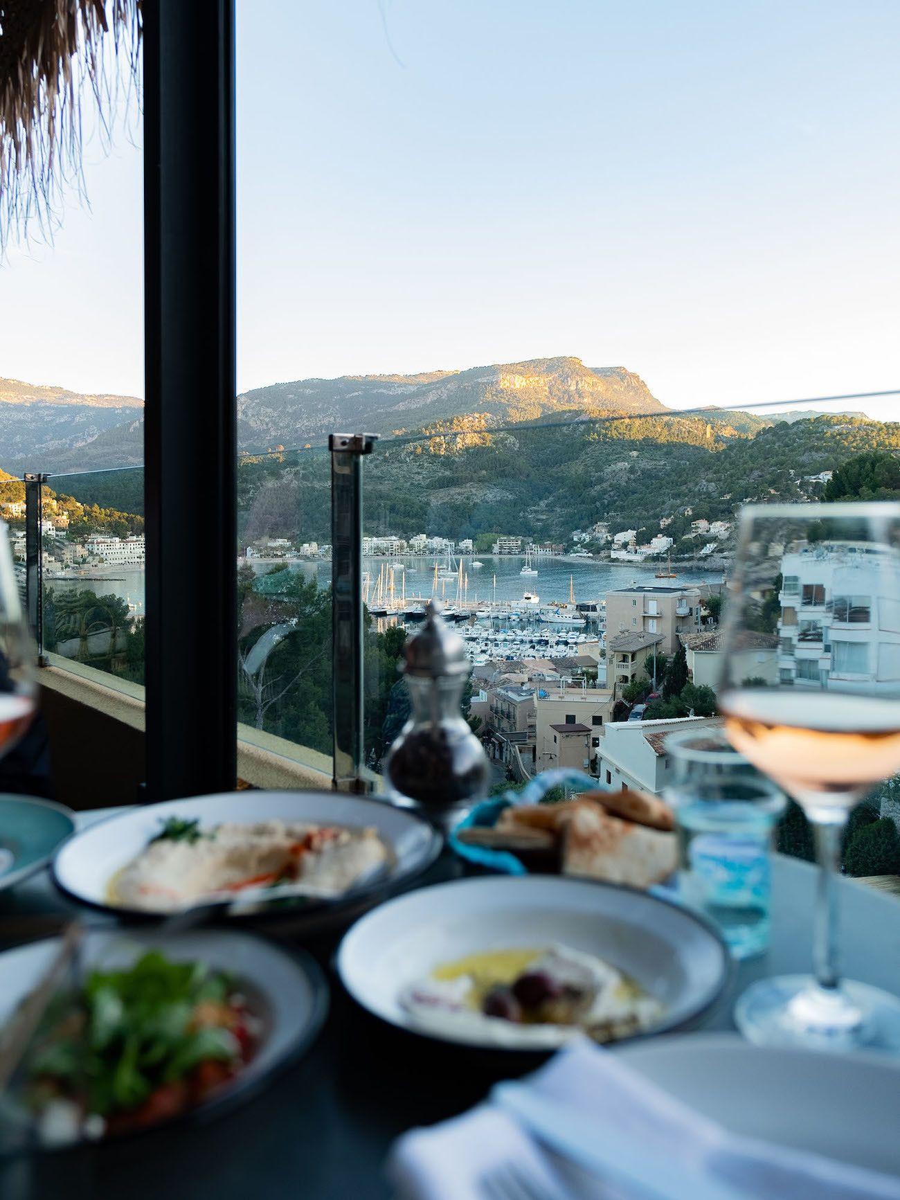 Foodblog About Fuel, Bikini Island & Mountain Hotels, Dinner, Wein