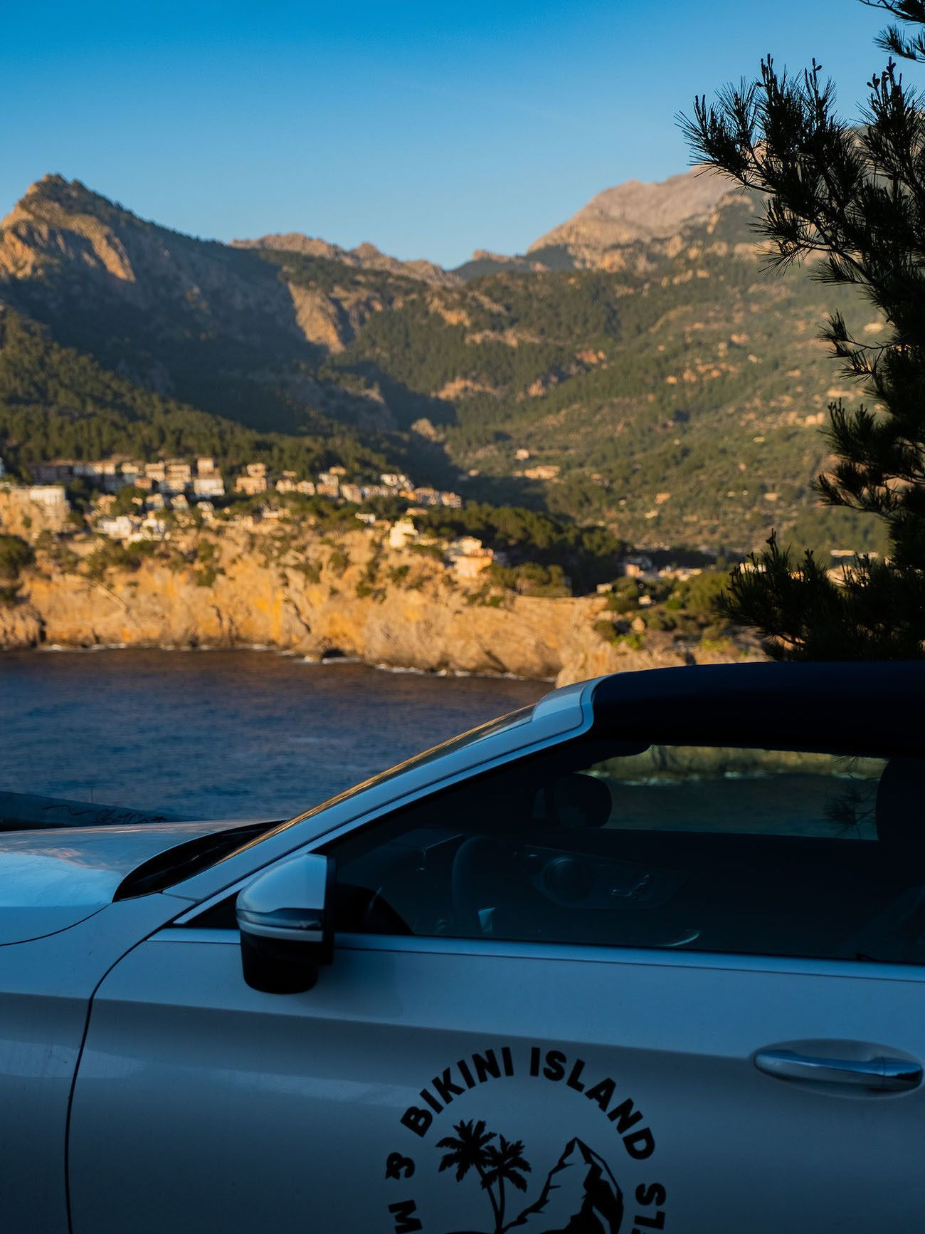 Foodblog About Fuel, Bikini Island & Mountain Hotels, Mercedes Benz, Port de Sóller