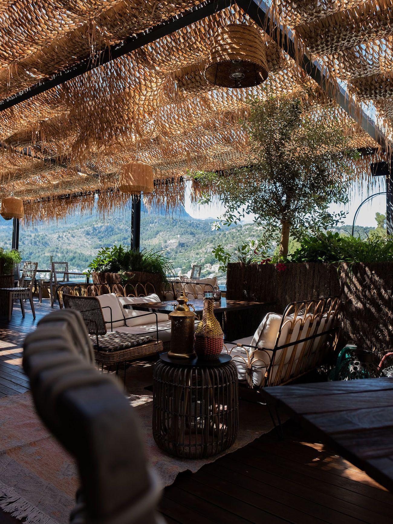 Foodblog About Fuel, Bikini Island & Mountain Hotels, Neni, Terrasse, Restaurant