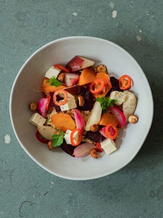Foodblog, About Fuel, Gebackene Rote Bete und Karotten auf Bulgursalat mit Birne, Haselnüsse, Chili, Petersilie