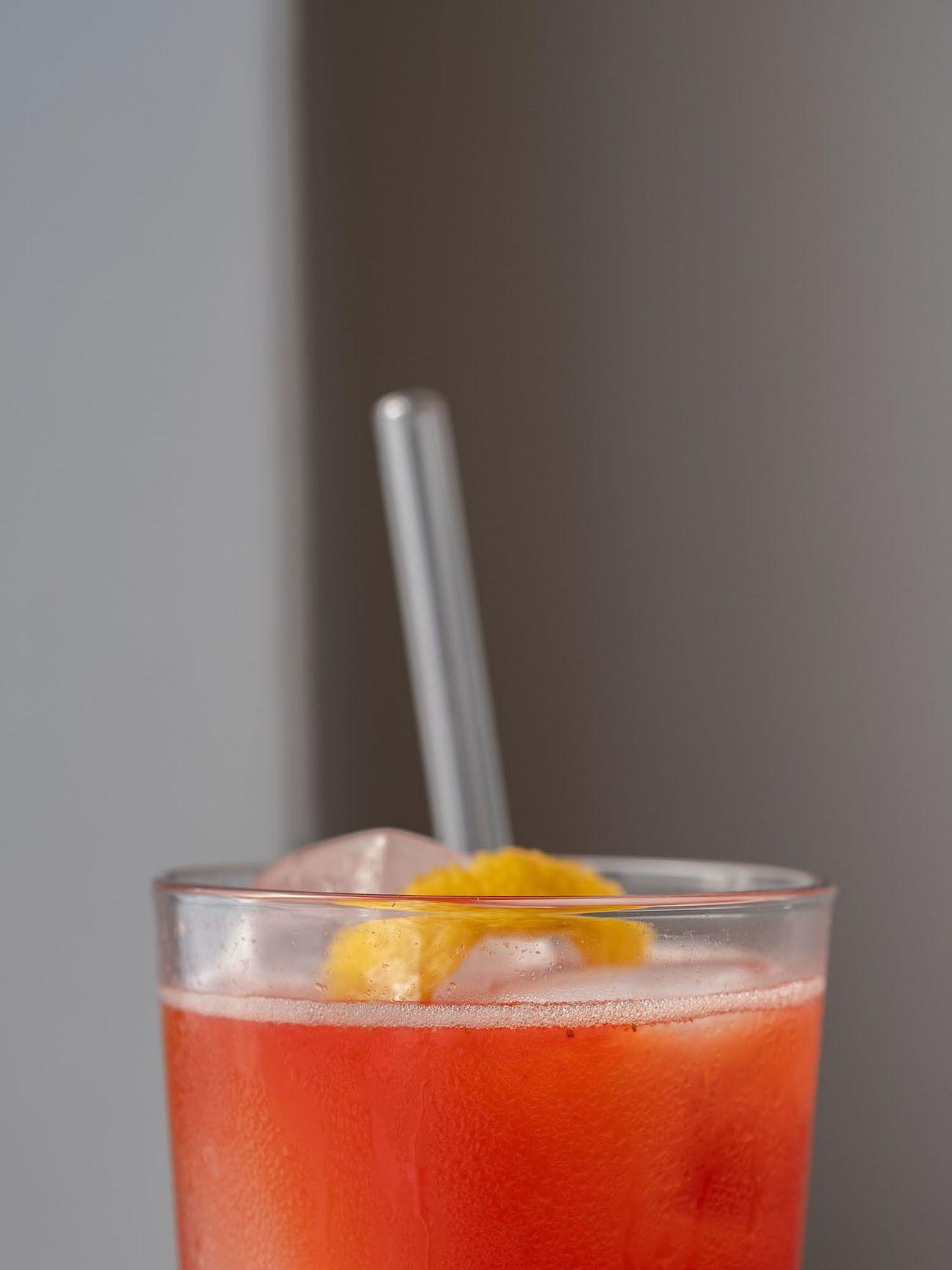 Foodblog, About Fuel, Rezept, Erdbeer-Rhabarber-Cooler, Glasstrohhalm