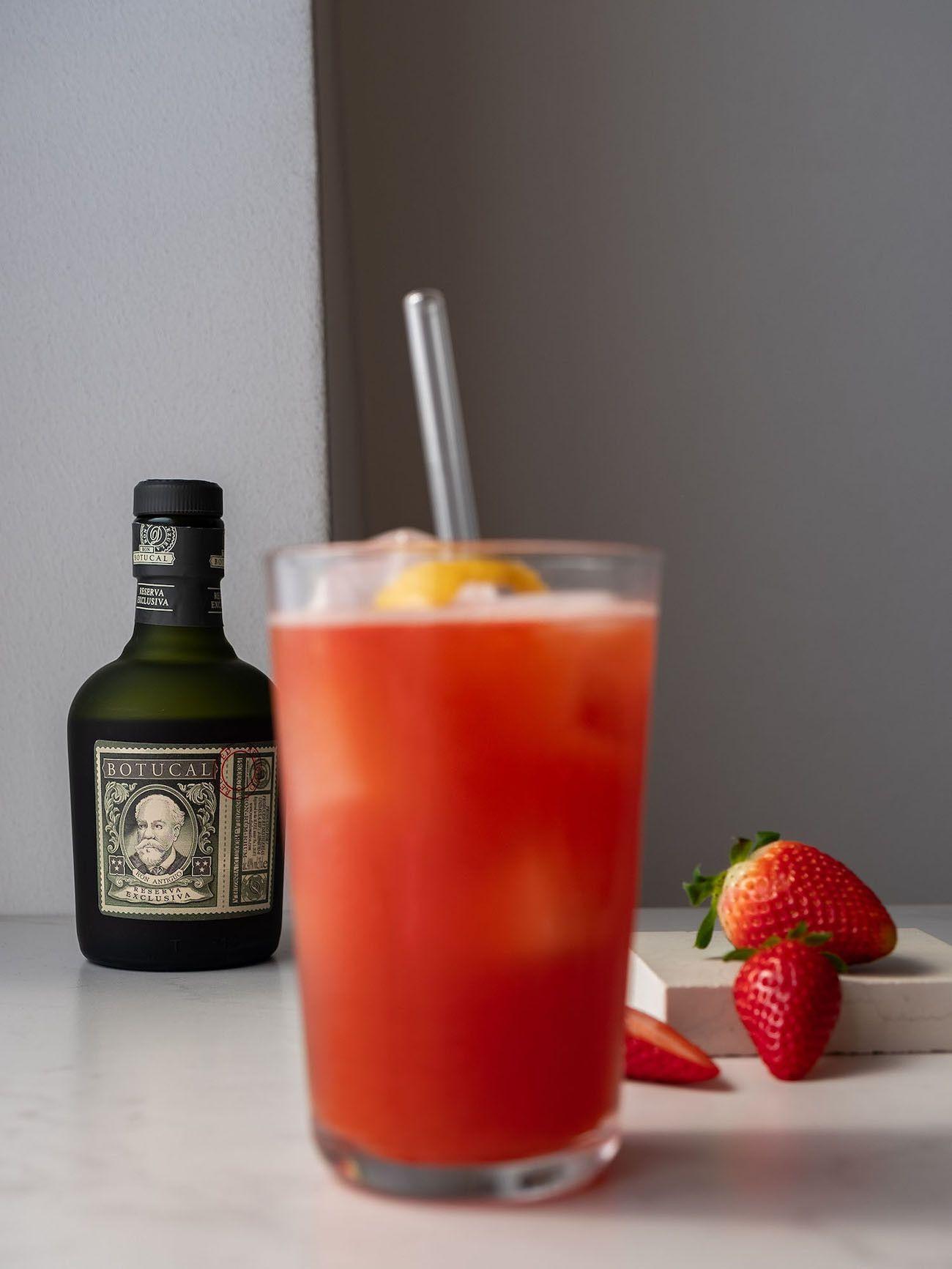 Foodblog, About Fuel, Rezept, Erdbeer-Rhabarber-Cooler, Rum, Botucal