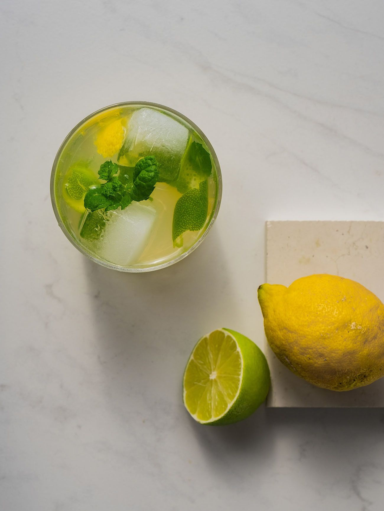 Foodblog About Fuel, Rezept Power Hugo, Saint Germain, Glas, Drink, Zitrone, Limette