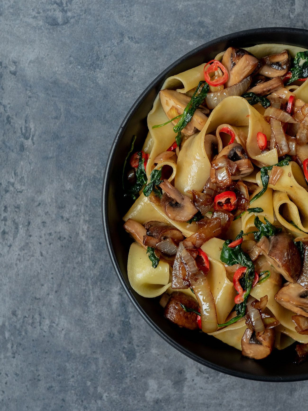 Foodblog About Fuel_Papardelle mit Champignons, Spinat und Balsamico Zwiebeln, Pasta