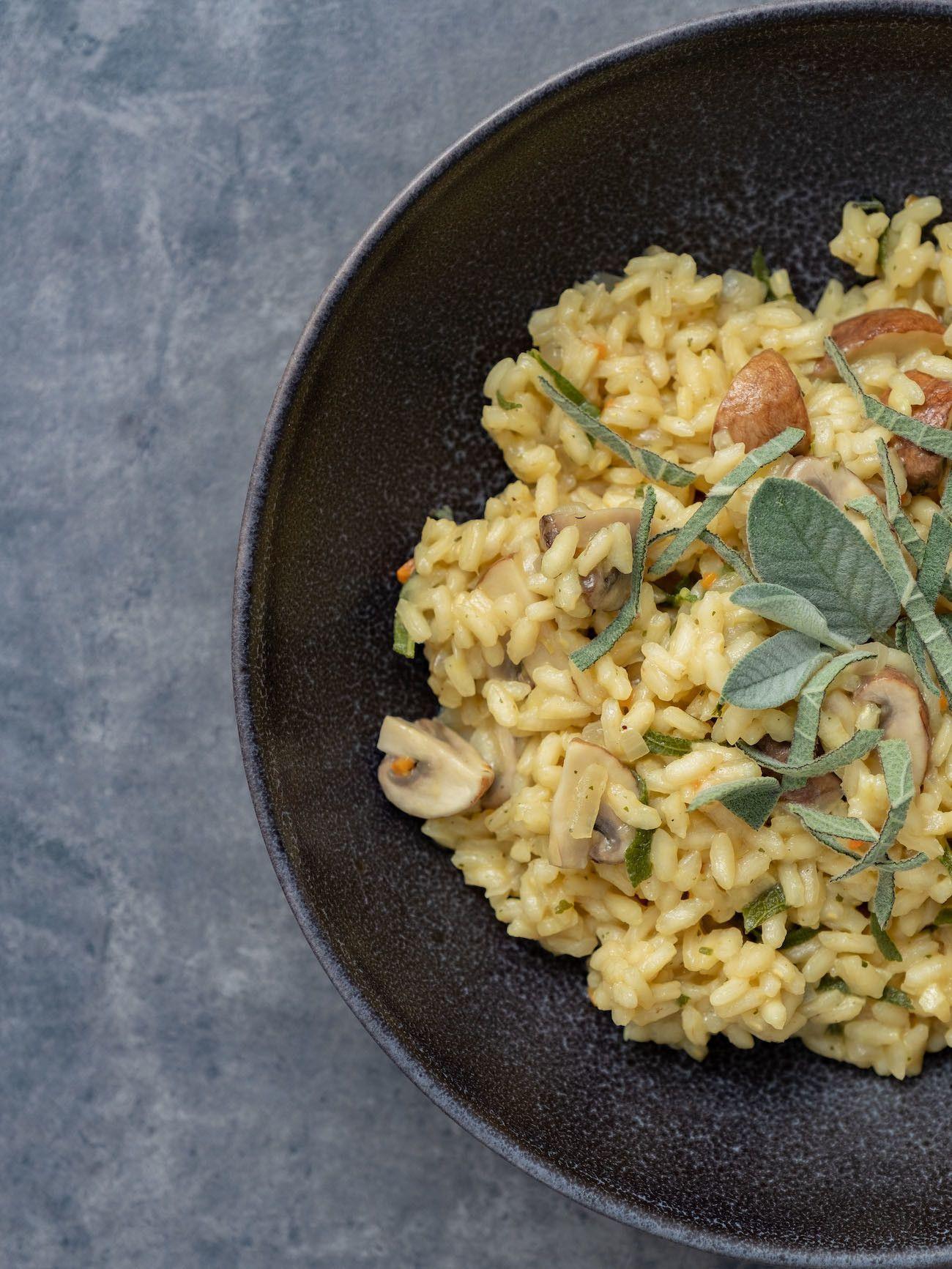 About Fuel, Foodblog, Rezept Champignon Risotto mit Salbei, Teller, Vegetarisch