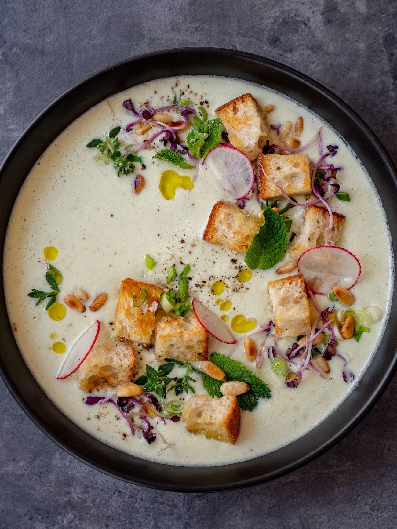 Foodblog, About Fuel, Rezept Gurken-Mandel-Gazpacho mit Croutons, Suppe