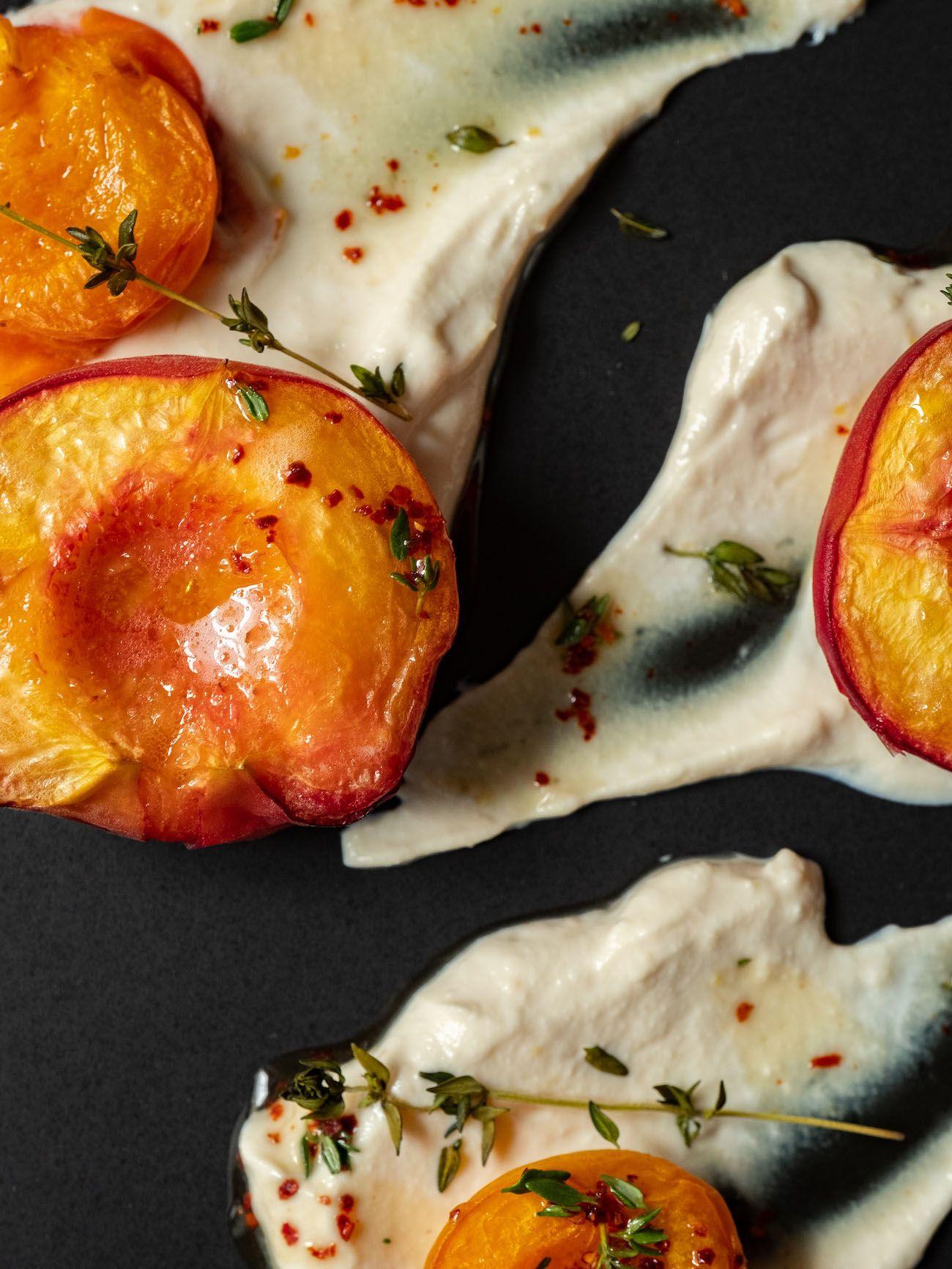 About Fuel, Foodblog, Rezept, Gebackene Pfirsiche und Aprikosen, Ricotta, Thymian, Ahornsirup, Chili