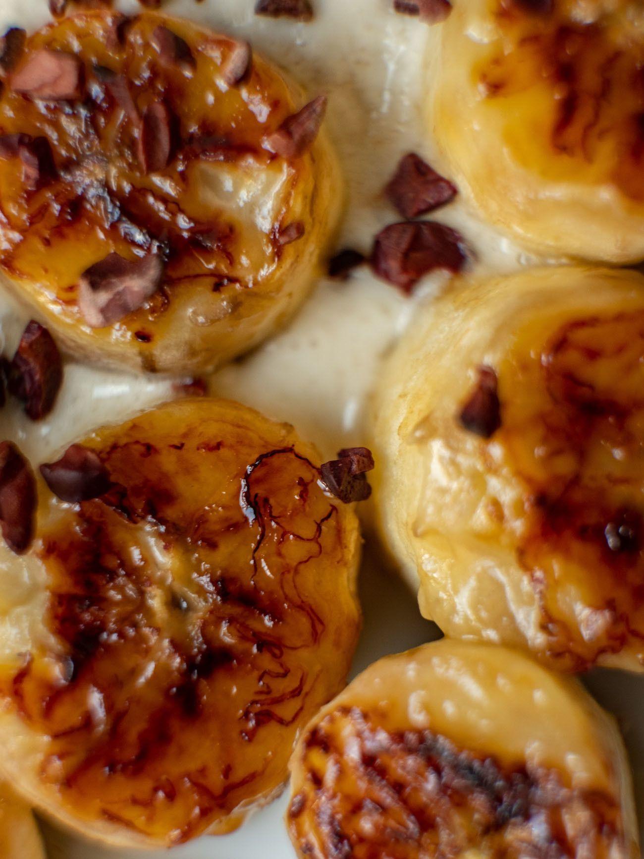 Foodblog, About Fuel, Rezept, Rum Bananen Dessert mit Hasenüssen und Schokoladen-Karamell, Gebratene Banane, Kakao Nibs