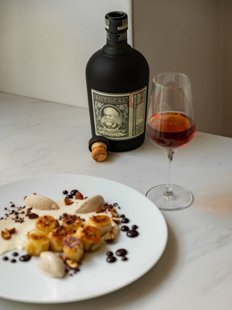 Foodblog, About Fuel, Rezept, Rum Bananen Dessert mit Hasenüssen und Schokoladen-Karamell, Kakao Nibs