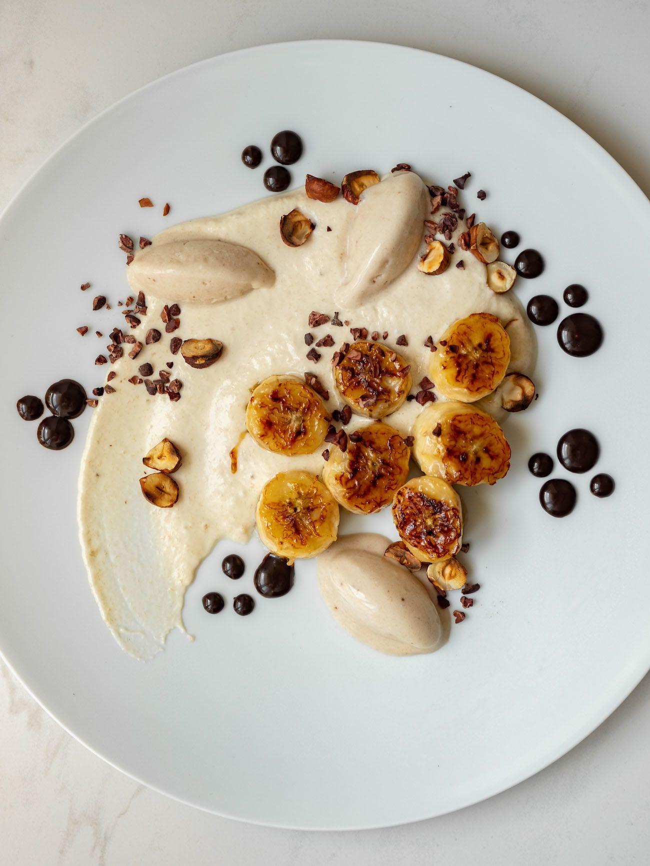 Foodblog, About Fuel, Rezept, Rum Bananen Dessert mit Hasenüssen und Schokoladen-Karamell, Teller, Rosenthal