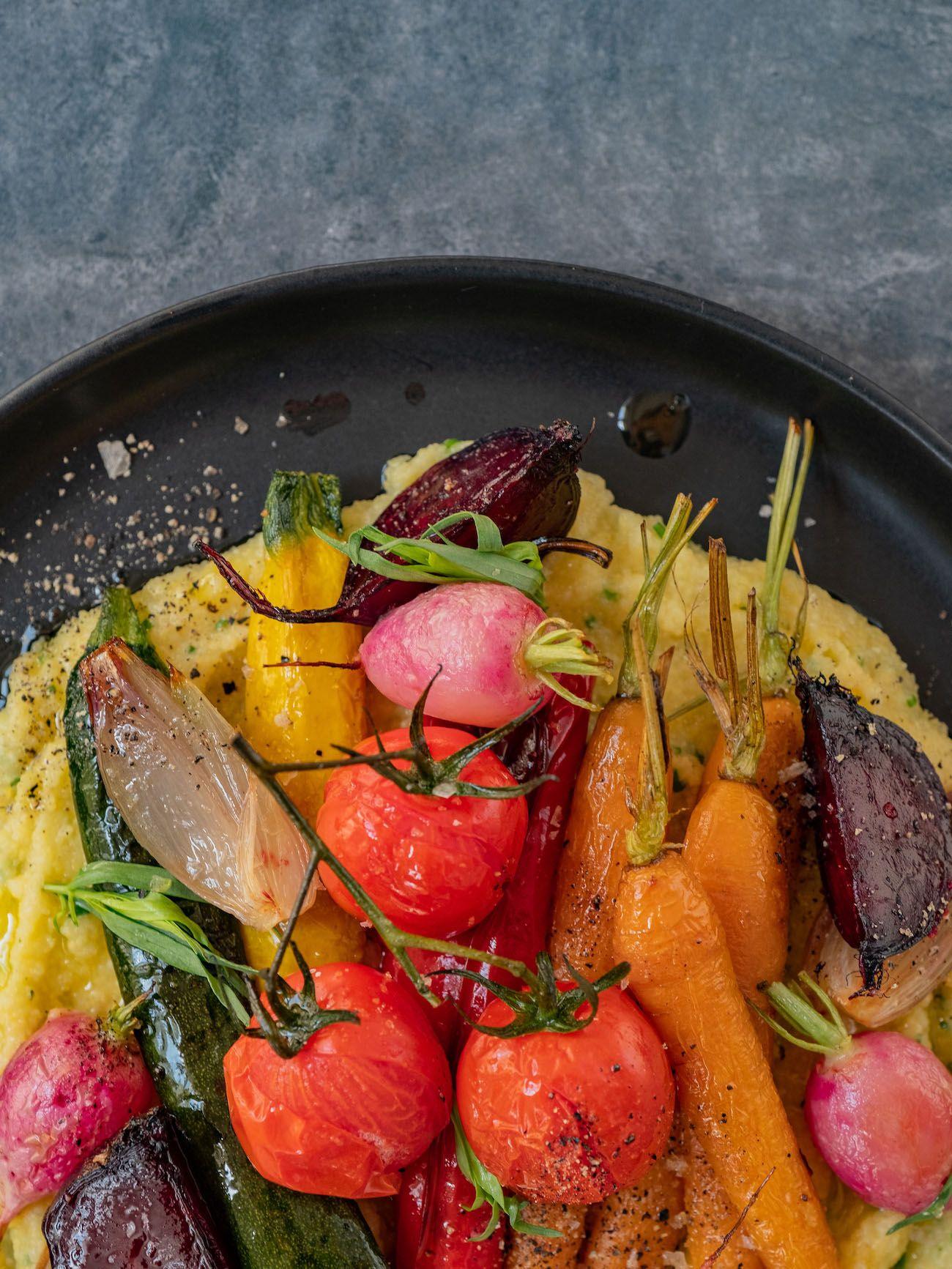 Rezept, Foodblo, About Fuel, Cremige Polenta mit Sommergemüse, Zucchini, Tomaten, Rote Bete
