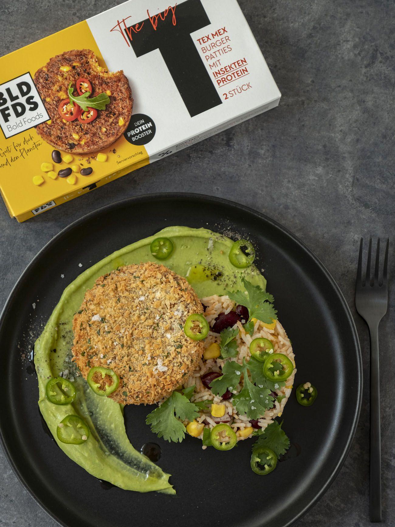 About Fuel, Foodblog, Bold Foods, Rezept, The Big T Schnitzel mit Reis und Avocadocreme, Koriander, Mais, Bohnen, Jalapeño
