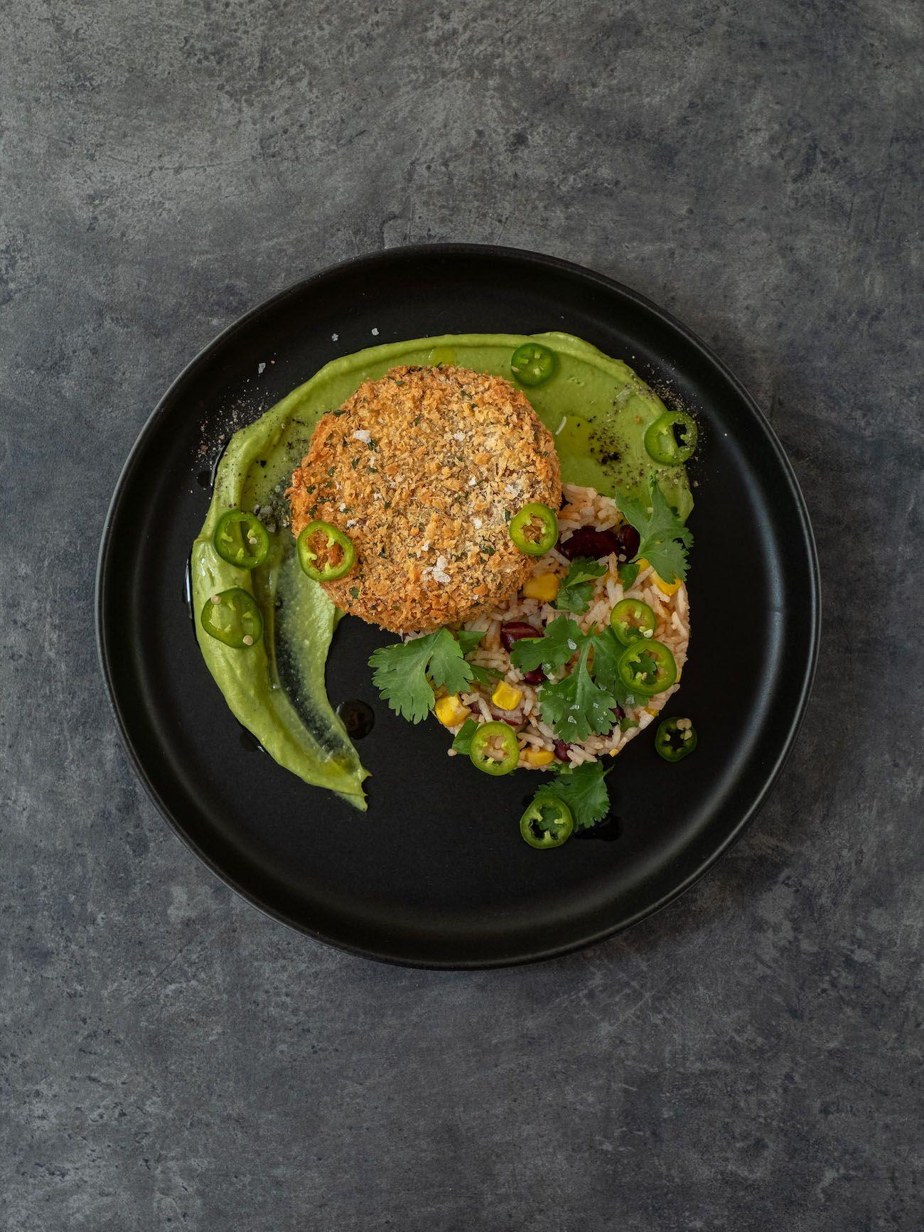 About Fuel, Foodblog, Bold Foods, Rezept, The Big T Schnitzel mit Reis und Avocadocreme, Mais, Bohnen