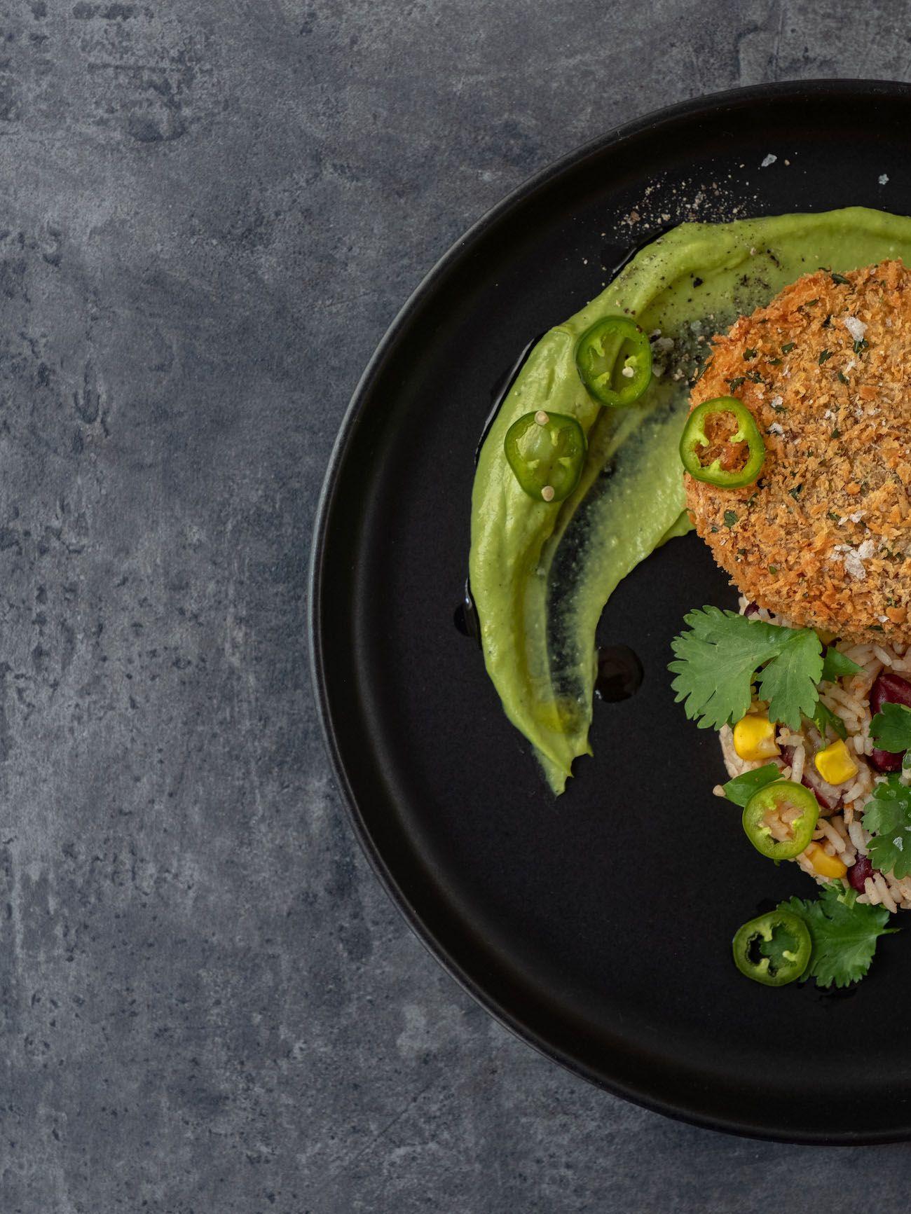 About Fuel, Foodblog, Bold Foods, Rezept, The Big T Schnitzel mit Reis und Avocadocreme, Mais, Jalapeño, Bohnen