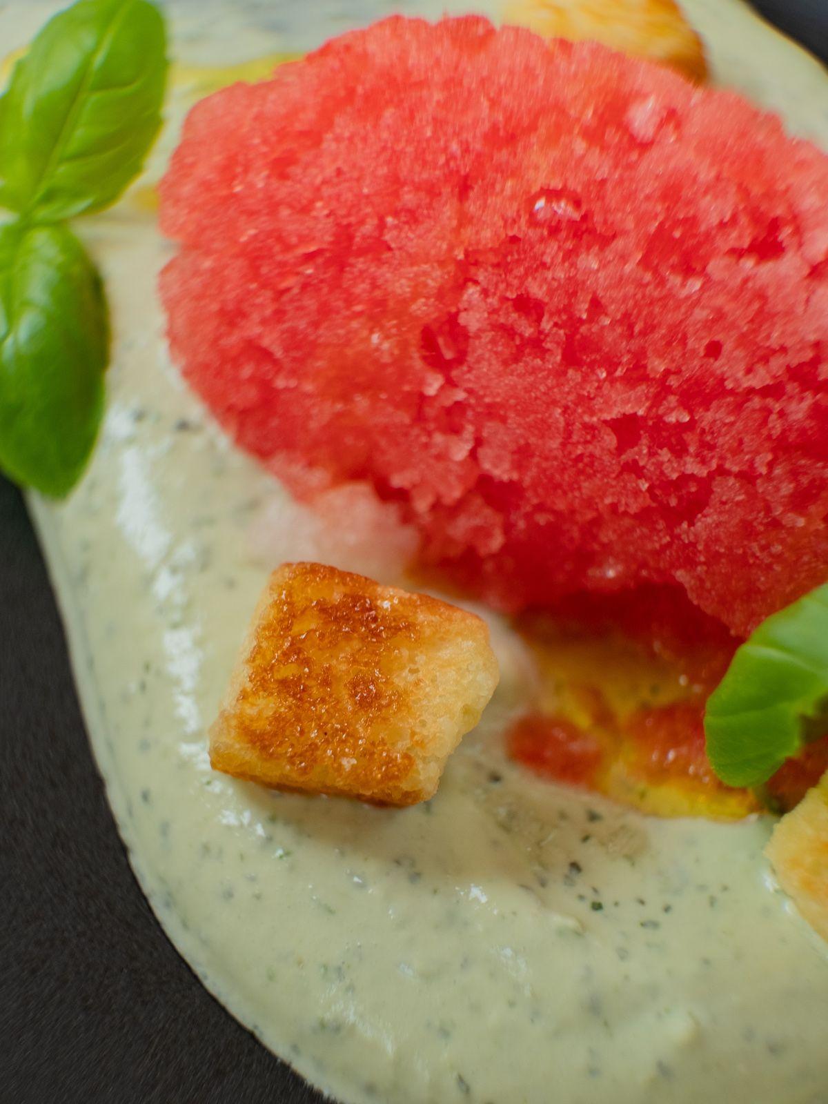 Foodblog, Rezept, Wassermelonengranita auf Basilikum-Minz-Schmand und Brioche-Croutons, Eis, Dessert