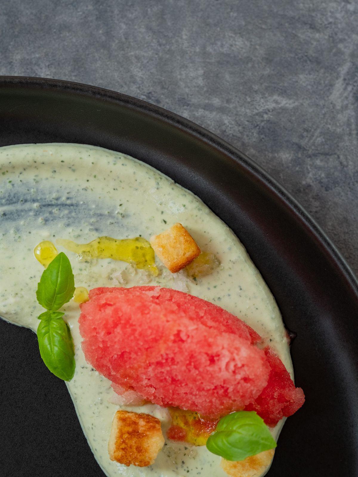 Foodblog, Rezept, Wassermelonengranita auf Basilikum-Minz-Schmand und Brioche-Croutons, Olivenöl, Fleur de Sel