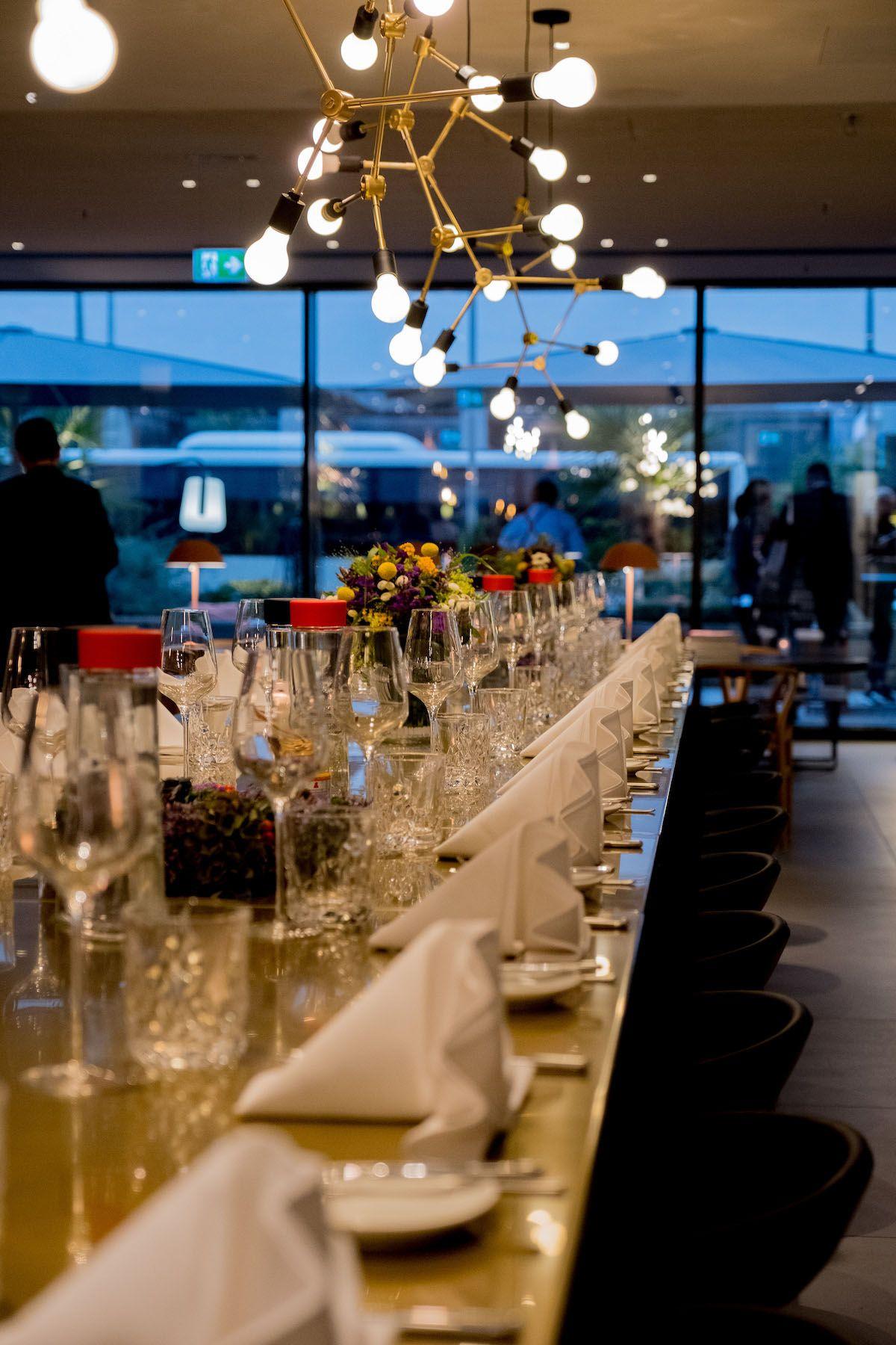 Foodblog, About Fuel, Leckerbissen, Scandic Hotel Frankfurt, Dinnertafel, Lampen
