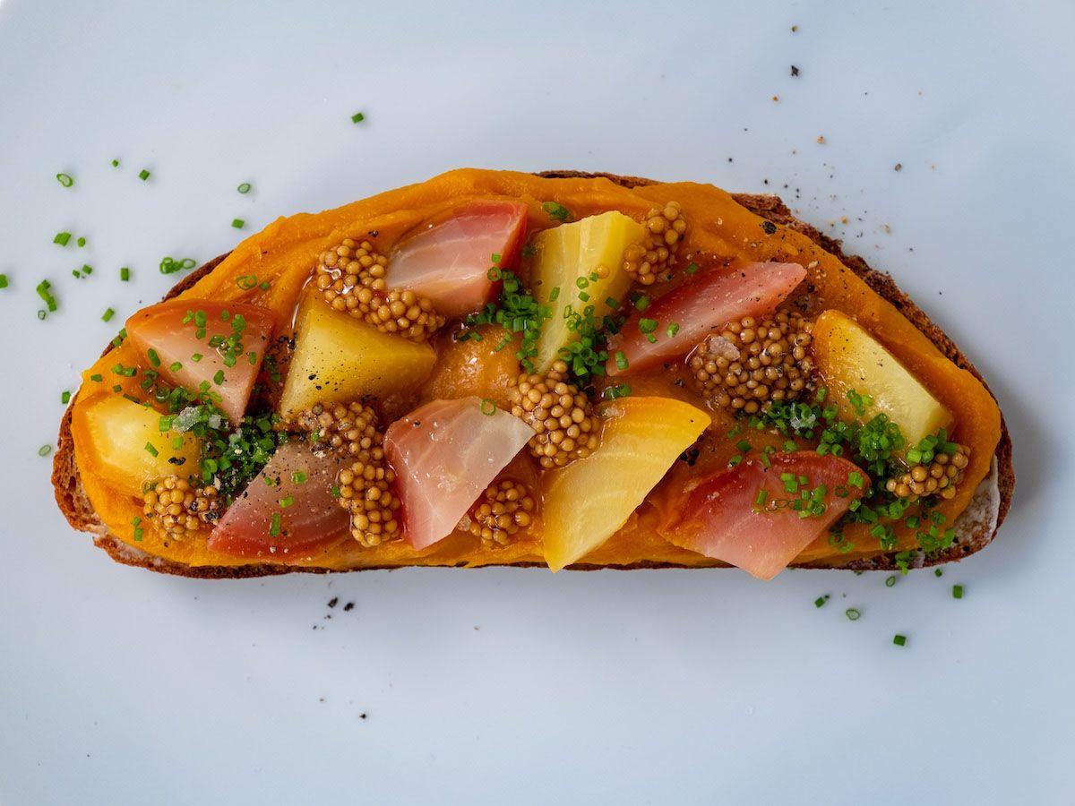 Foodblog, About Fuel, Rezept, Sandwich, Kürbis Zwiebel Marmelade, Schnittlauch, Senfcaviar, Aufstrich