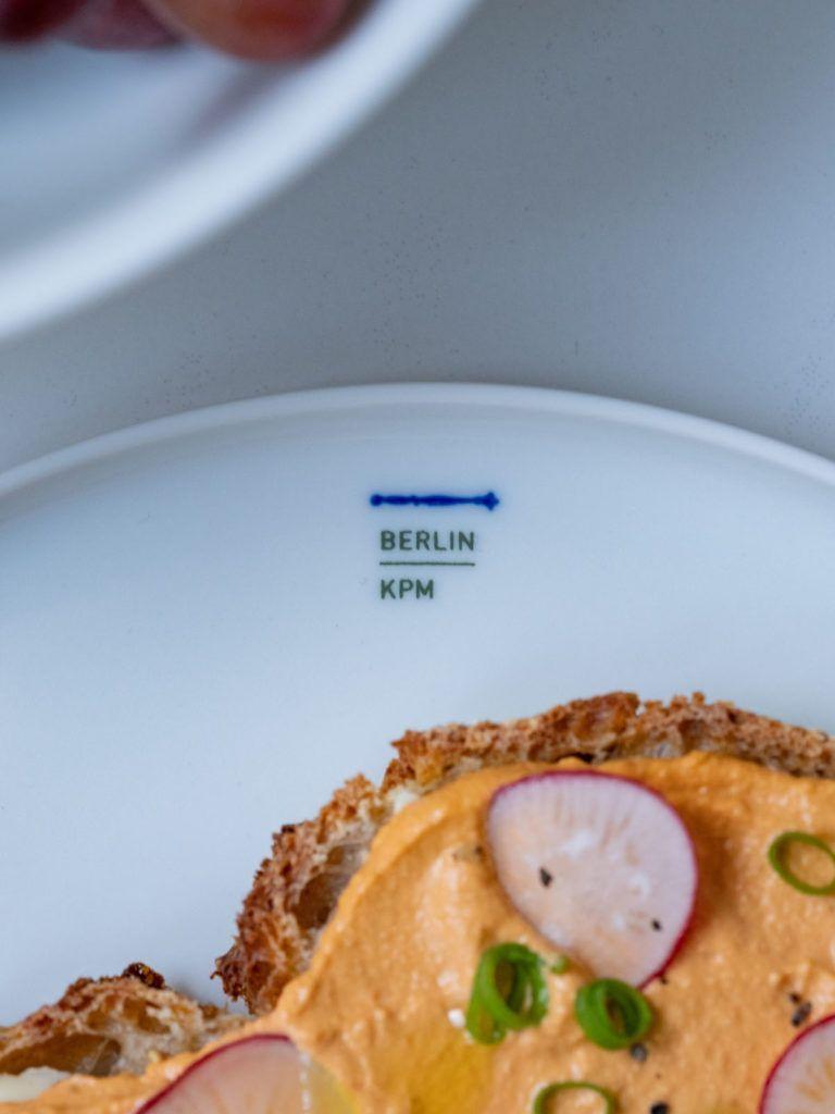 About Fuel Adventskalender Königliche Porzellan Manufaktur, KPM, Brot