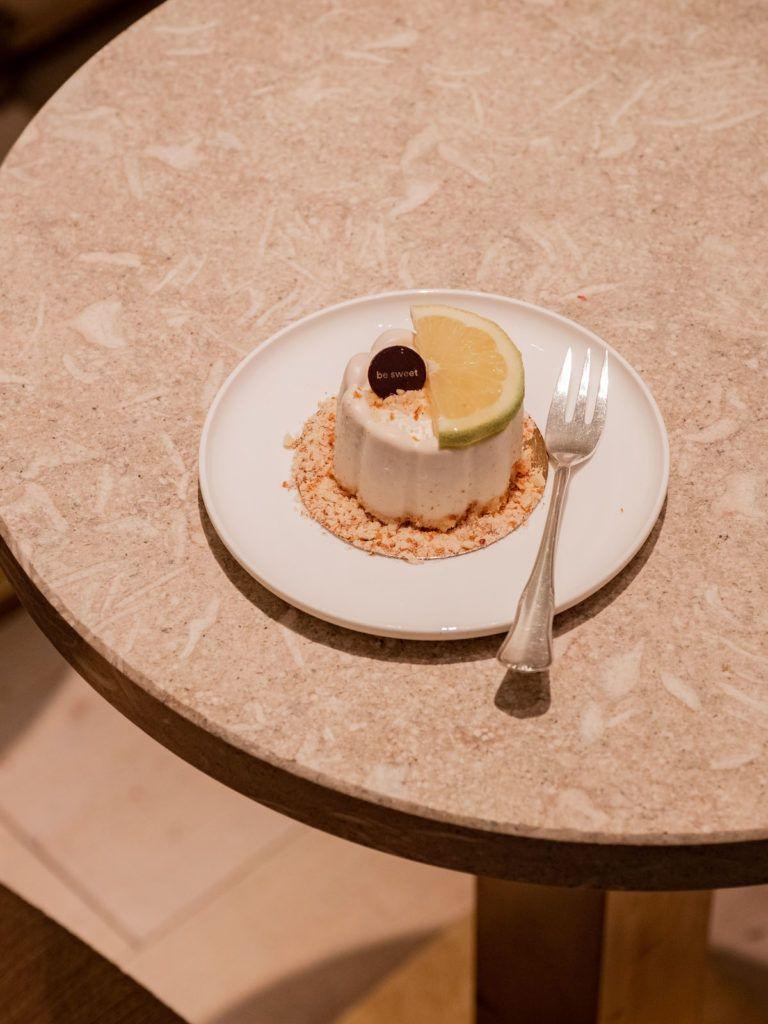 About Fuel, Food Blog, Berlin, Be Sweet, Dessert, Zitronen Prinz, Tisch