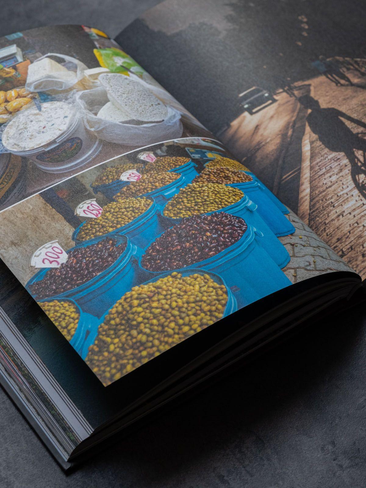 Leckerbissen About Fuel Foodblog Bledar Kola Kochbuch, Oliven, Käse
