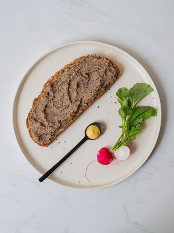 Rezept, Vegane Leberwurst Pfälzer Art, Senf, Radieschen, Linsen, Majoran