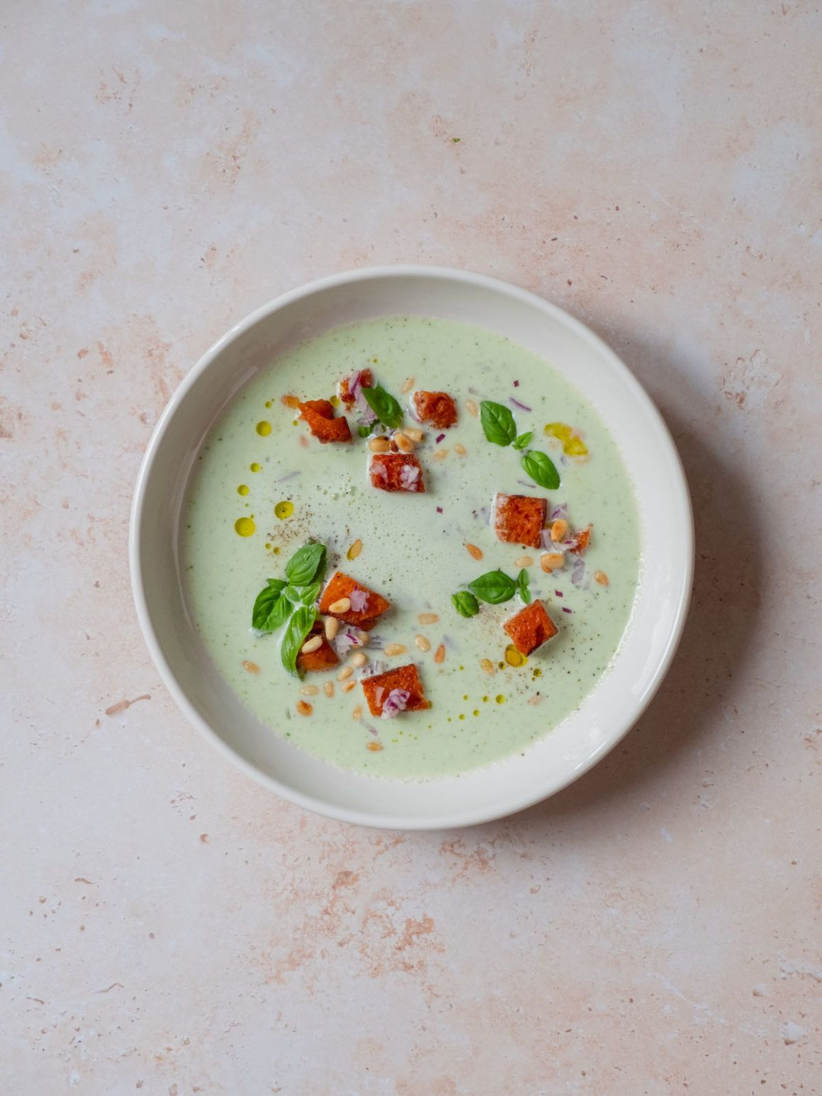 Foodblog, About Fuel, Rezept, Vorspeise, Basilikum, Buttermilch, Tomatencroutons, Pinienkerne
